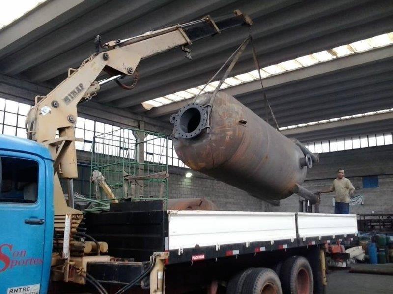 Empresa especializada em movimentação de cargas